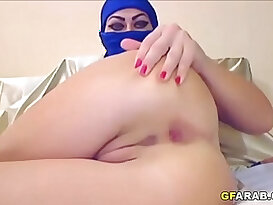 Arab Slut In Hijab Tries Anal sex With fingers and Dildo