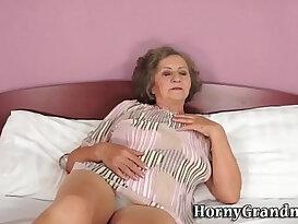 Grandmas mouth cummed in