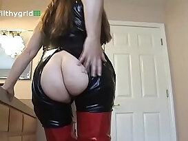 Queen of farts Lizzy dirty fart mistress