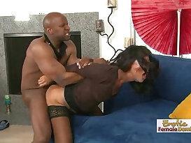 Buffed Black mamba cock Stud Ruffing Up Some Pussy