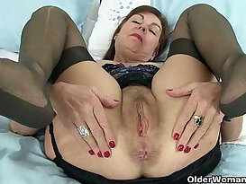British granny Amanda and her sex toy