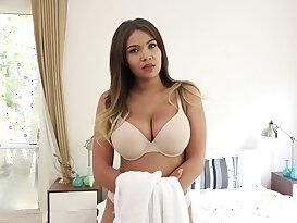 Ebony gal\'s huge boobs get bouncing